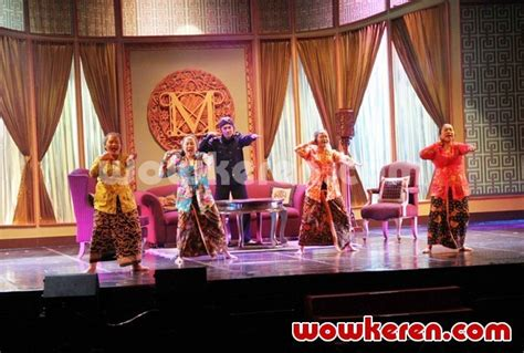 film anak emas foto kabaret oriental anak emas juragan batik foto 6
