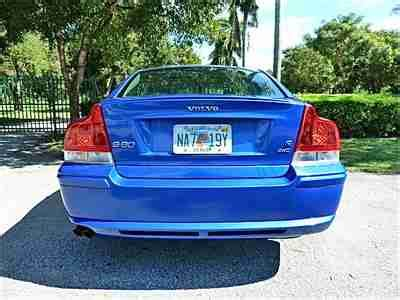 buy   volvo   awd  owner  miles warranty sonic blue  tires brakes  opa