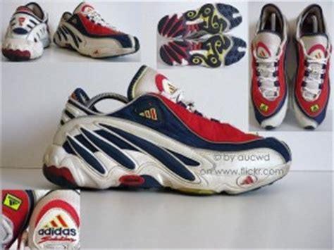 adidas sneaker    inspired  yeezy runner