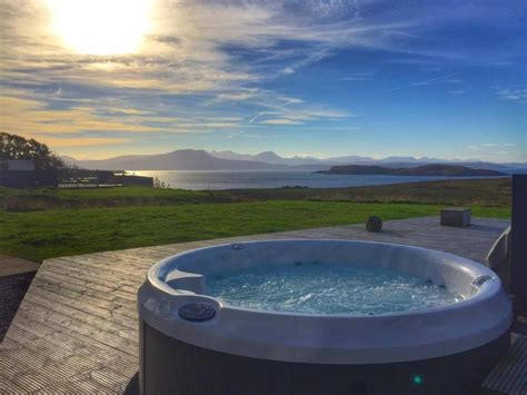 Self Catering Cottages With Tub by Locholly Lodge Self Catering Near Ullapool Achiltibuie