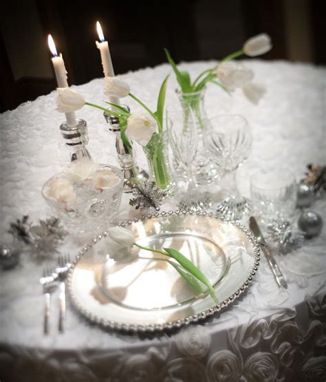 silver wedding table white and silver wedding decor www imgkid com the