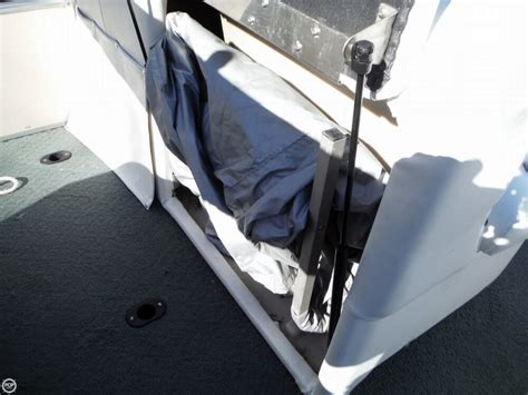 Pontoon Changing Room by 2007 Used Sweetwater 2180f Pontoon Boat For Sale 17 000