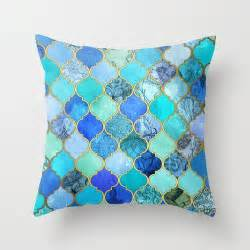 And Blue Pillows 25 Best Ideas About Blue Pillows On Navy