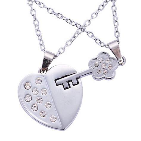 cadenas de oro para novios collares y dijes parejas novios corazon con llave