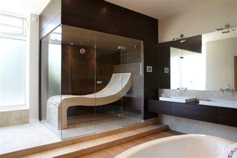sauna zimmer einrichten sauna mit wengepaneelen und passendem waschtisch