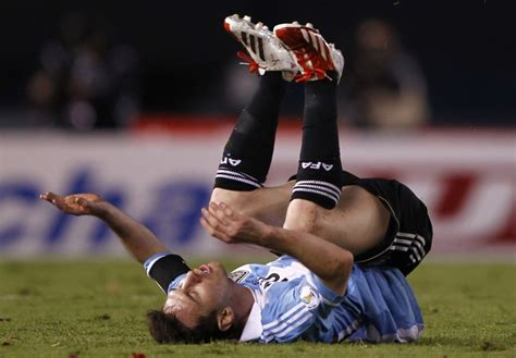 lionel messi fails to score against robotic goalkeeper