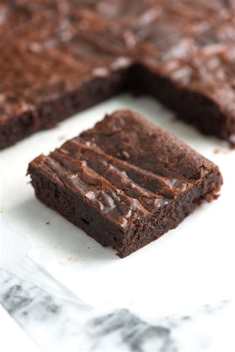 Fudgy Brownies from Scratch ? Easy Brownie Recipe