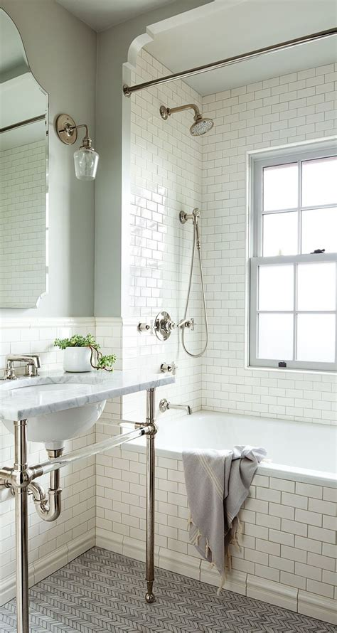 vintage small bathroom ideas 25 best ideas about bungalow bathroom on