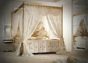 Italian Canopy Bedroom Furniture Italian Royal Bedroom Furniture Luxury Upholstered Canopy