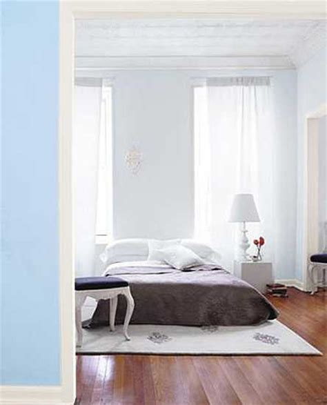bed on the floor 21 simple bedroom ideas saying no to traditional beds