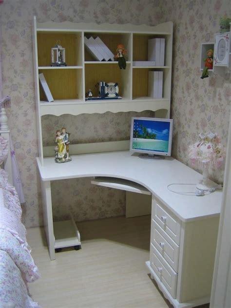 scrivanie portacomputer scrivania ad angolo con libreria tavolo porta pc da