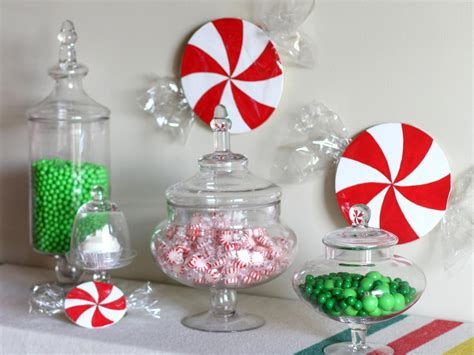 how to do a christmas candy sunday centerpiece how to make decorations how tos diy