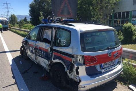 Vorarlberg Auto Kaufen by Vorarlberg Lkw Rammt Polizeiauto Auf A14 Vol At
