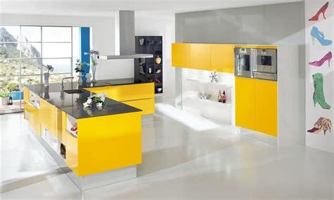 cuisine moderne jaune inspiration cuisine moderne pour tous les styles en 15 photos