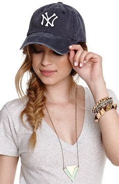 how to wear a hat with cornrows baseball hats with ponytails hairstyles girls wearing