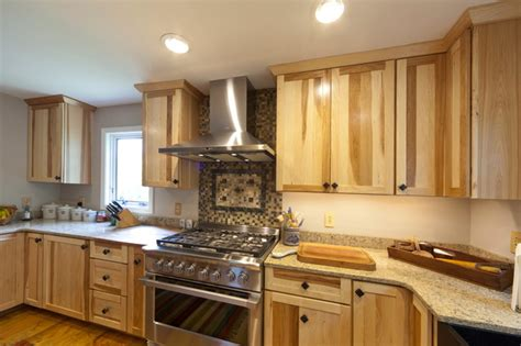 Kitchen Wall Colors With Maple Cabinets medallion cabinetry fo bayside natural hickory