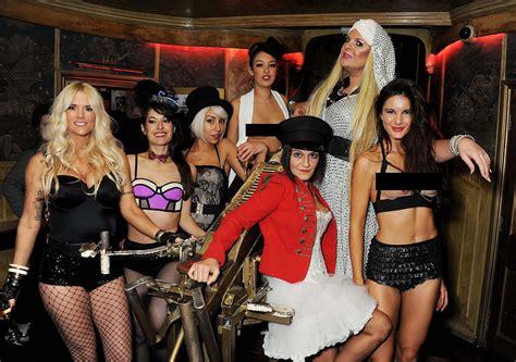 shut  box burlesque club   stars