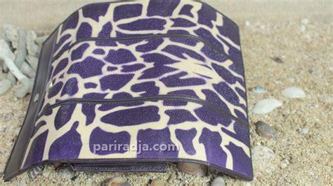 Dompet Wanita Motif Kelinci 3 dompet wanita kulit ikan pari lipat 3 motif jerapah ungu kerajinan kulit ikan pari