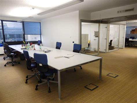 altezza scrivania ufficio altezza standard scrivania da ufficio scrivanie per due