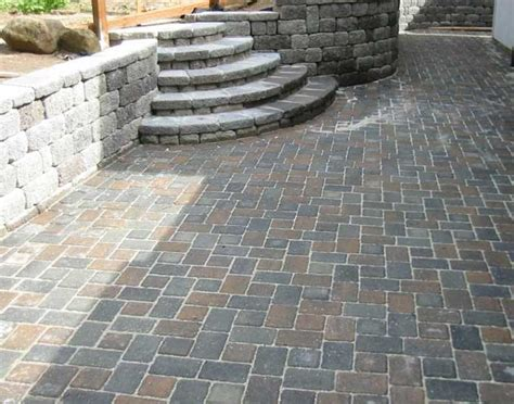 Paver Patio Patterns 1000 Images About Yard Project 2014 On Patio Decks And Backyards