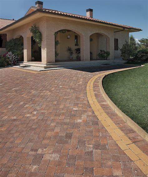 pavimento per cortili pavimenti per cortili esterni pavimenti per esterni e