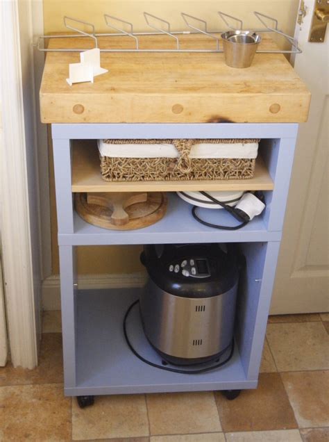 country kitchen island unit for a small kitchen