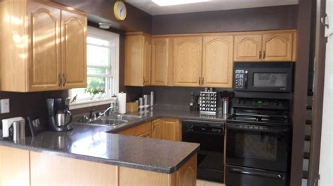 wall color with grey cabinets grey kitchen walls with oak cabinets best 25 honey oak