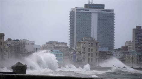 canadian buying a house in cuba hurricane irma lashes cuba as jose poses threat elsewhere ctv news