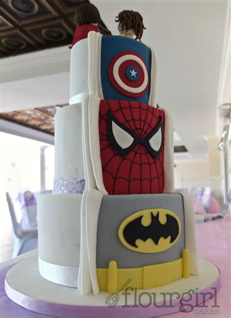 Hochzeitstorte Marvel by 1000 Ideas About Superman Cupcakes On