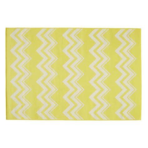kunststoff teppich outdoor teppich lataia aus kunststoff 160 x 230 cm gelb