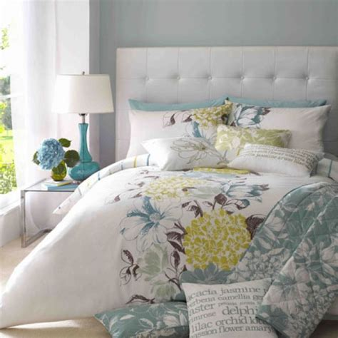 Blue Grey Yellow Bedroom by Yellow Grey Blue Bedding Annabelle S Room Ideas