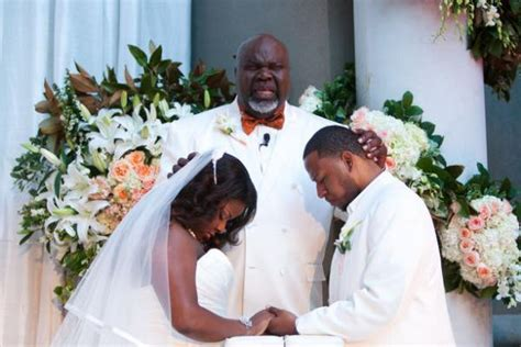 td jakes wedding t d jakes cora jakes gets married photos