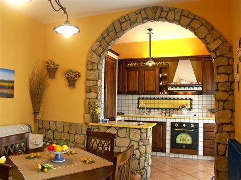 cucinare in casa cucine finta muratura sistemi componibili