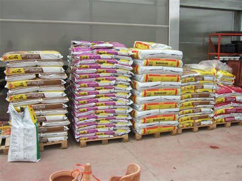 materiali per tettoie materiali per giardinaggio casette tettoie pergole in