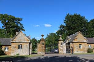 althorp estate princess diana s childhood home althorp opens to overnight