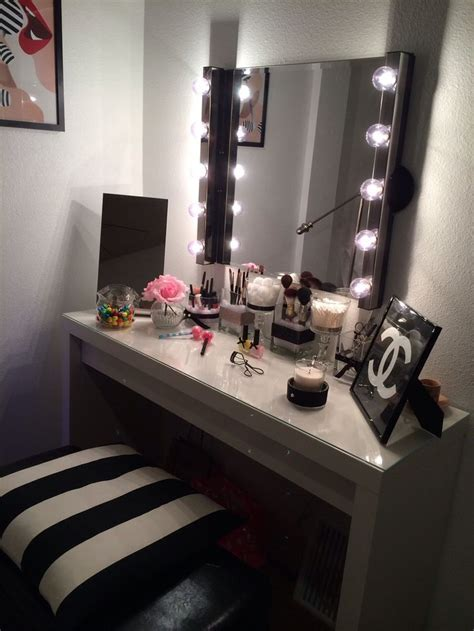 Makeup Room Decor 17 Best Images About Makeup Room Ideas On Pinterest Makeup Storage Vanity Mirrors And