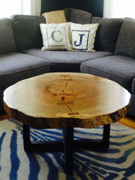 Diy Log Coffee Table 25 Best Ideas About Log Coffee Table On Pinterest Log Table Stump Table And Tree Stump Furniture