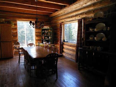 log cabin dining room cabin