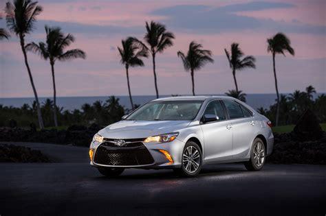 Se Toyota 2016 Toyota Camry Review Carrrs Auto Portal
