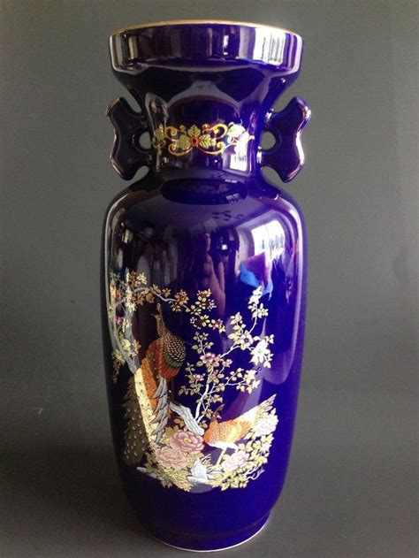 Japanese Peacock Vase by 24 Best Images About Japanese Cobalt Blue Porcelain On