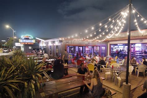 top bars in austin tx pooches pigskin shiner dog s favorite dog friendly sports bars randall metting