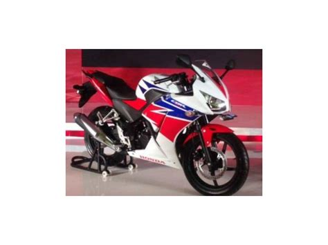 cbr showroom price honda cbr 150r honda cbr 150r price cbr 150r reviews