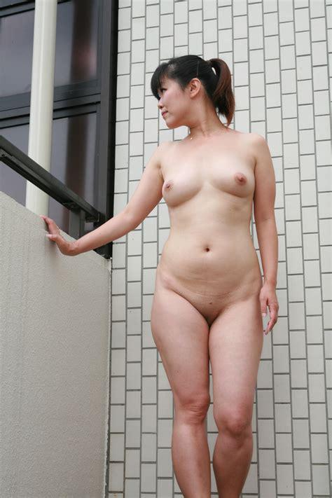Reona Nude Hot Girls Wallpaper