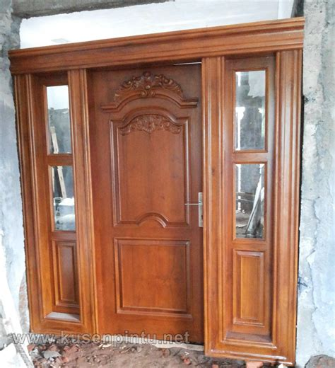 Pintu Jati Solid Kombinasi Kaca kusen pintu jati solid penyekat ruang keluarga kusen pintu jendela
