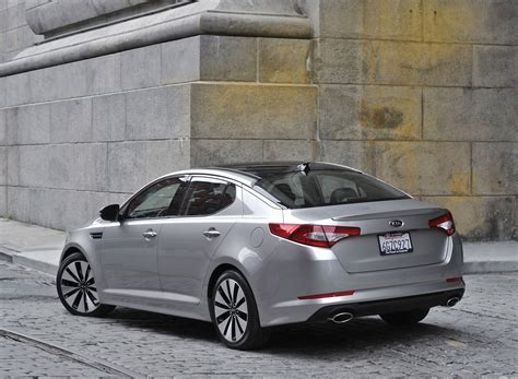 Who Is The Maker Of Kia 2011 Kia Optima Magentis Makes Official Debut At Nyias