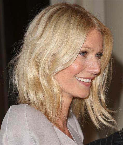 bobs on locked hair gwyneth paltrow s wavy locks are effortlessly cool h