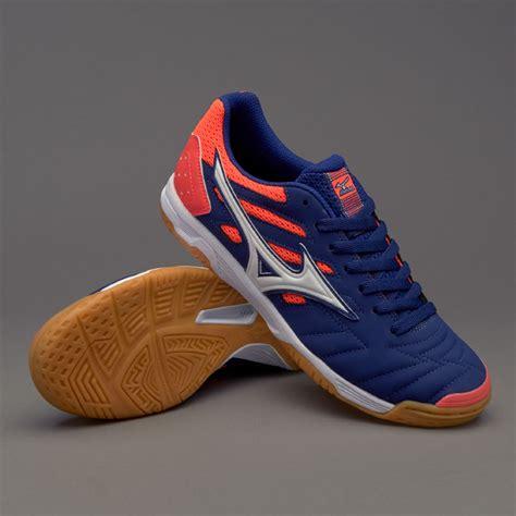Sepatu Futsal Mizuno New Arrival 2 sepatu futsal mizuno sala classic 2 in blueprint white fiery coral