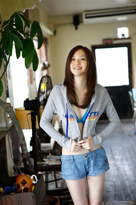 Kanomatakeisuke Rina Aizawa Cute Japanese Teen In Bikini