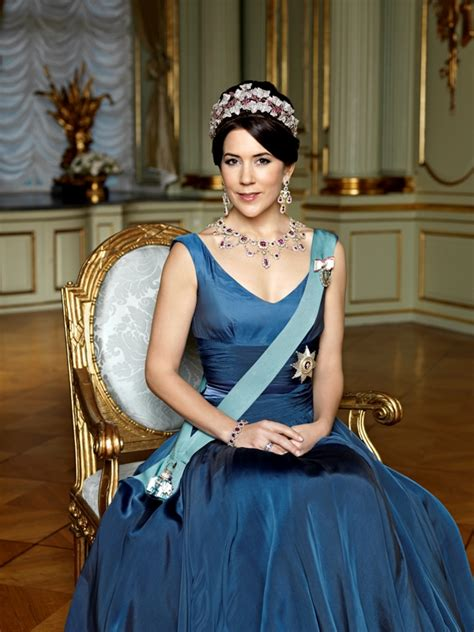 princess mary of denmark new bangs the crown princess of denmark to visit ciffkids little