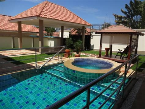 bedroom swimming pool beautiful 4 bedroom house with large swimming pool on pratumnak hill